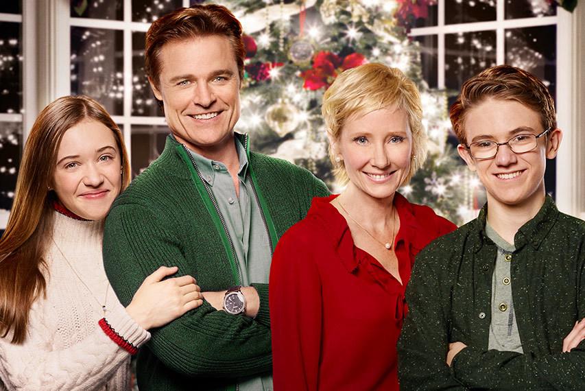 Movie Reviews - Looks Like Christmas - Gonzo Okanagan Online News ...
