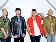 Hedley live on tour