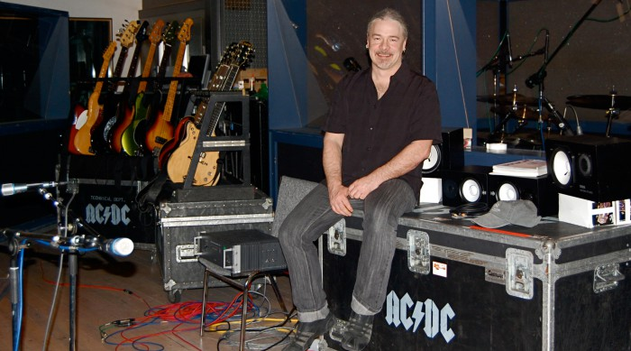 Mike Fraser records AC DC